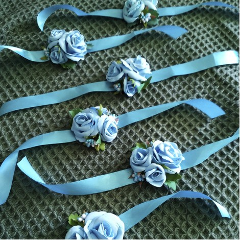 """Бутоньерки """"Голубые розы"""""""
